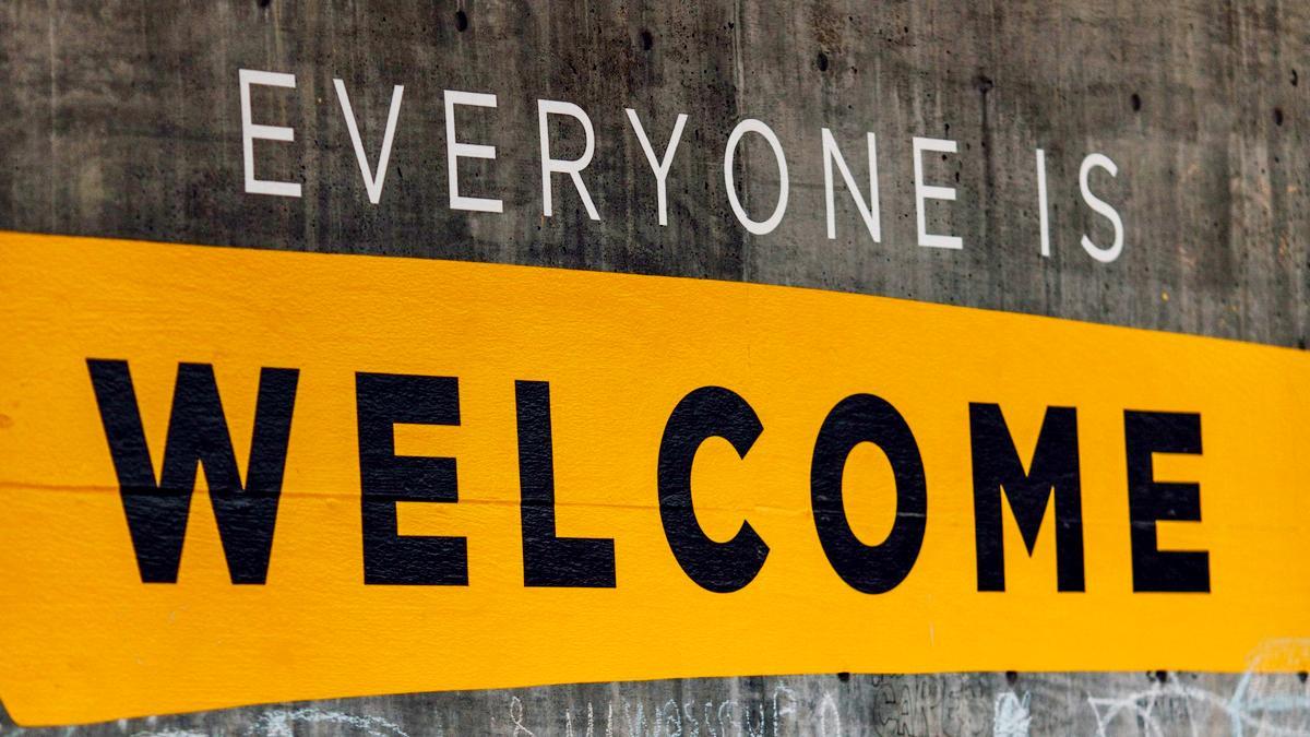 Foto mit Worten 'Everyone is Welcome'
